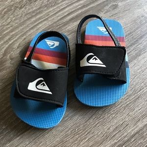 Quiksilver baby slippers shoes ~ size 4 ~ EUC